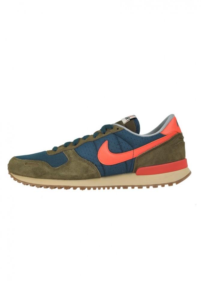 Foto 1. Nike Air Vortex